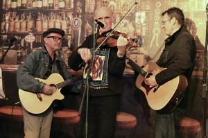 Steve Reeves, Jimi Slevin und Mick Davis, Internationaler Markt, Stand Großbritannien