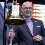 Ministerpräsident Torsten Albig beim Glasen 2014