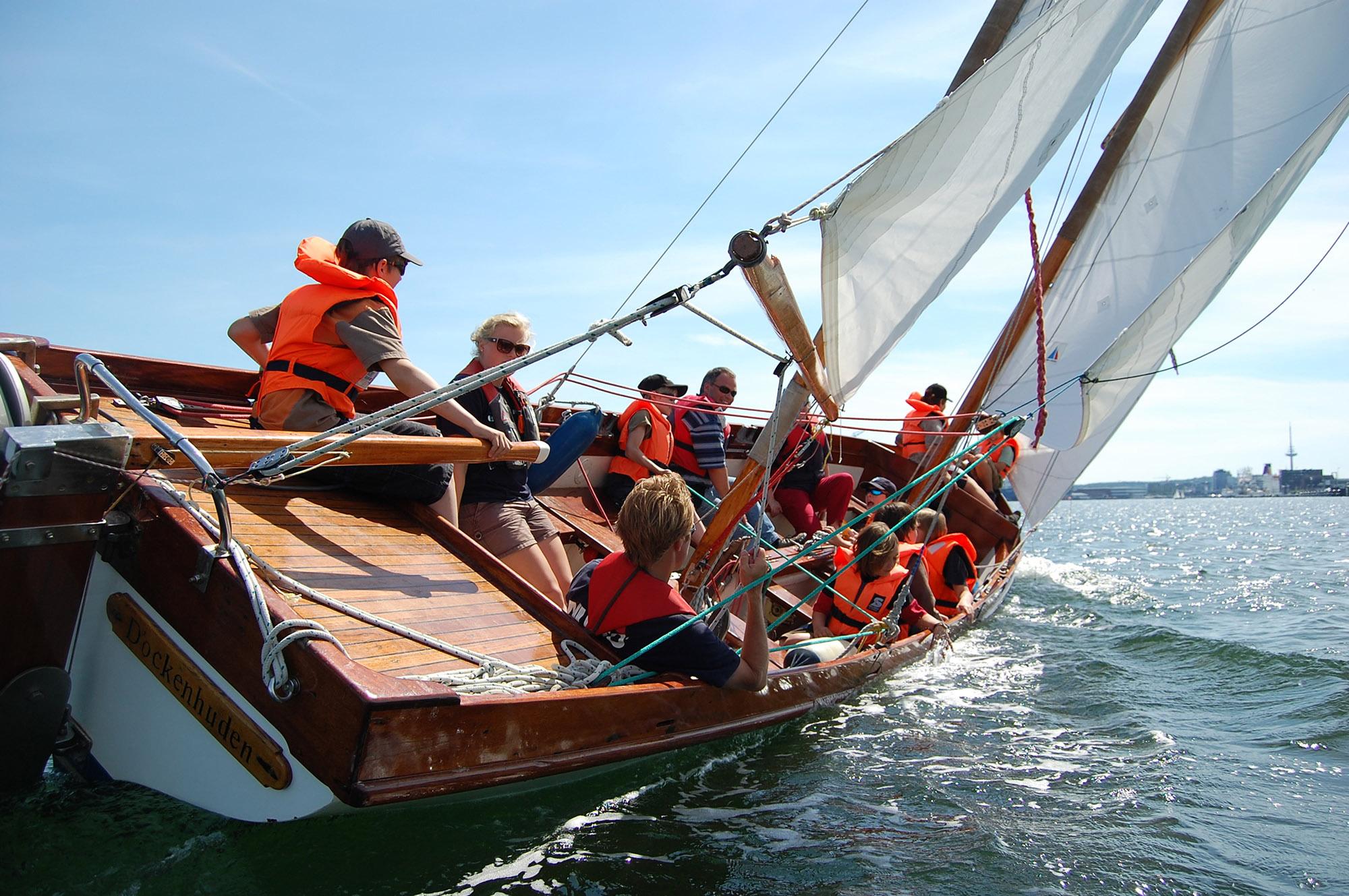 Mit dem Camp 24|sieben über die Kieler Woche segeln